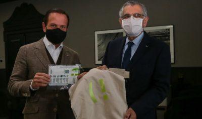 USP realiza entrega de máscaras através do projeto (respire!