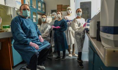 Professores e pesquisadores comentam as reações iniciais no Brasil com a chegada do coronavírus.